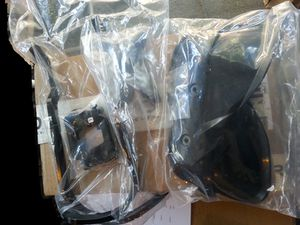 Box1 reverse 10-0806001 SDS HAND GUARDS BLACK.jpg